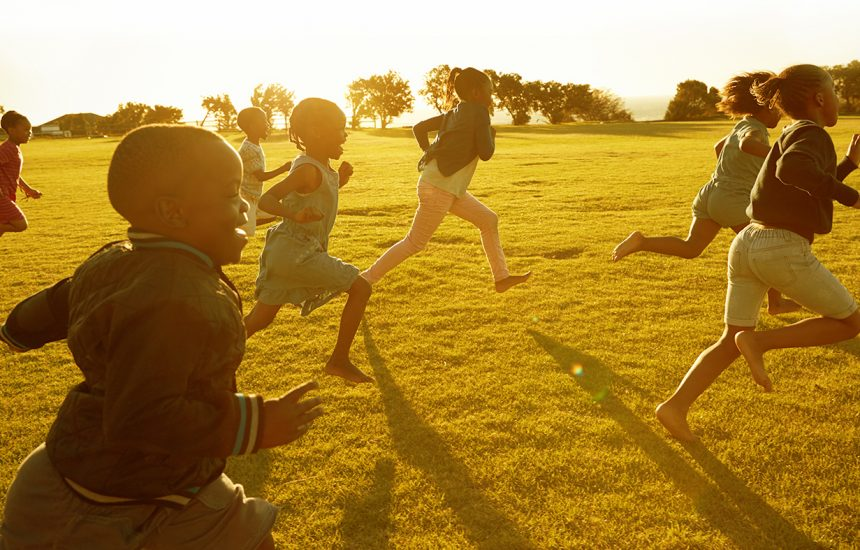 FOOTER IMAGE - running childs